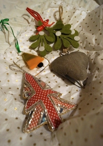 Unwrapping-Decorations
