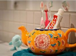Teapot Toothbrush Holder